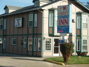 Photo of Sweet Breeze Inn Grants Pass