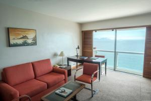 Executive Suite with Front Sea View