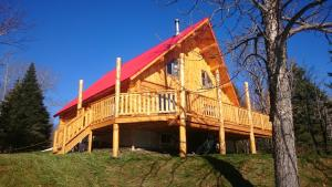 Superior Chalet (10 Adults)