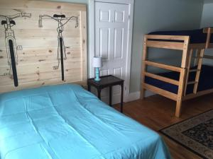 Double Room with Double Bed and Bunk Bed with Shared Bathroom