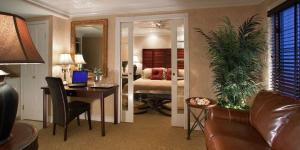 Chateau Inn and Suites Spring Lake
