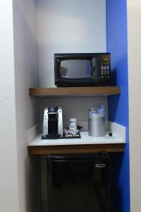King Room - Disability Access Hearing Access - Tub