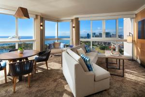 Ocean Front Suite - Two Bedroom - Newly Renovated