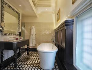 The Lalit London - 2 of 41
