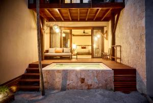 Sea view ground floor Suite with Plunge pool