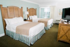 Queen Room with Two Queen Beds and Gulf View - Non-Smoking