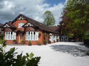 Grove Guest House in Wrexham, Wrexham, Wales