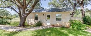 Wine Country Cottages on Main: Wine Thief, Holiday homes  Fredericksburg - big - 1