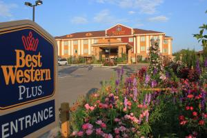 Best Western Plus Blanco Luxury Inn and Suites