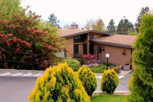 Quails Quest Bed & Breakfast