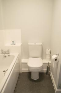 Stunning Copper Quarter Apartment, Apartmány  Swansea - big - 26