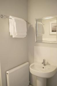 Stunning Copper Quarter Apartment, Apartmány  Swansea - big - 24
