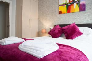 Stunning Copper Quarter Apartment, Apartmány  Swansea - big - 19