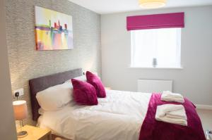 Stunning Copper Quarter Apartment, Apartmány  Swansea - big - 23