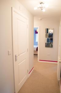 Stunning Copper Quarter Apartment, Apartmány  Swansea - big - 12
