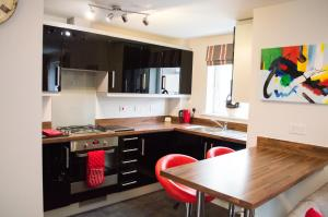 Stunning Copper Quarter Apartment, Apartmány  Swansea - big - 11
