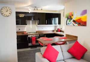 Stunning Copper Quarter Apartment, Apartmány  Swansea - big - 7
