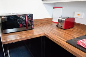 Stunning Copper Quarter Apartment, Apartmány  Swansea - big - 37