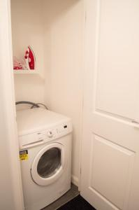 Stunning Copper Quarter Apartment, Apartmány  Swansea - big - 8