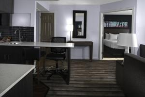 One Bedroom Suite with Two Double Beds