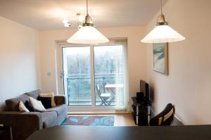 Riverside Apartment in Copper Quarter, Ferienwohnungen  Swansea - big - 7