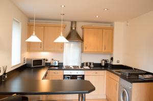 Riverside Apartment in Copper Quarter, Apartmány  Swansea - big - 8