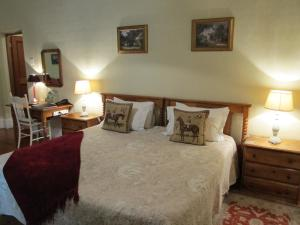 Deluxe Double or Twin Room with Garden View 1