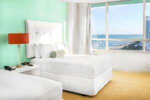 Standard Double Room with Partial Ocean View