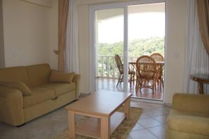 Thera Homes 20, Apartmanok  Oludeniz - big - 11