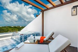 Junior Suite with Balcony Jacuzzi