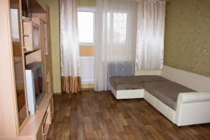 Apartment on Nizhnyaya 73, Апартаменты  Подгорное - big - 4