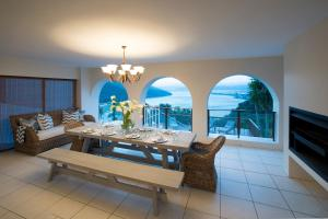 Villa with Sea View and Private Pool
