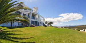 Fly Me To The Moon Guest House, Penziony  Mossel Bay - big - 1