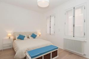Chic Santa Lucia 2+2 with 2 bathrooms, Venezia
