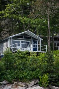 Water View Cabin