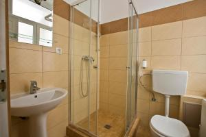 Superior Triple Room with Private Bathroom