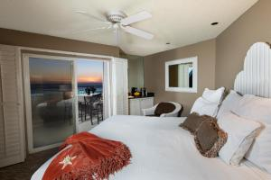 Deluxe King Room with Oceanview