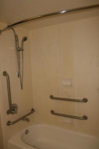 King Room with Bath Tub - Disability/Hearing Access - Non-Smoking