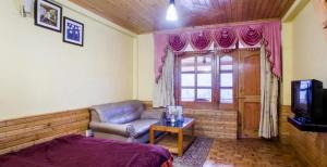 Hotel Hollywood Manali, Hotels  Bashist - big - 17