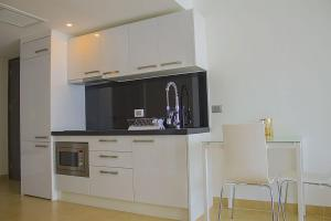 Avenue Residence condo by Liberty Group, Ferienwohnungen  Pattaya - big - 75