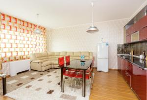 2 rooms Dostyk 5 Apatment, Apartments  Astana - big - 11