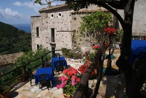 A Taverna Intru U Vicu, Bed and Breakfasts  Belmonte Calabro - big - 1