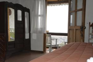 Two-Bedroom Chalet with Balcony (8 Adultos)