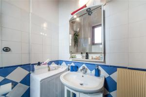White home in St.Peters, Apartmány  Řím - big - 29