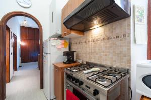 White home in St.Peters, Apartmány  Řím - big - 24