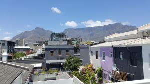 Purple House, Bed and breakfasts  Cape Town - big - 37