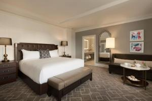 Fairmont Gold King Room
