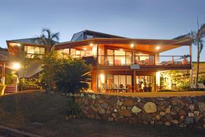 Photo of Airlie Waterfront Bed & Breakfast