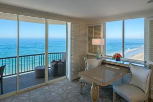 Oceanfront Towers Double Queen