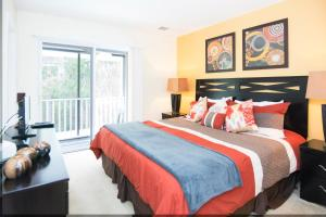 Three-Bedroom Townhouse at Emerald Island Resort